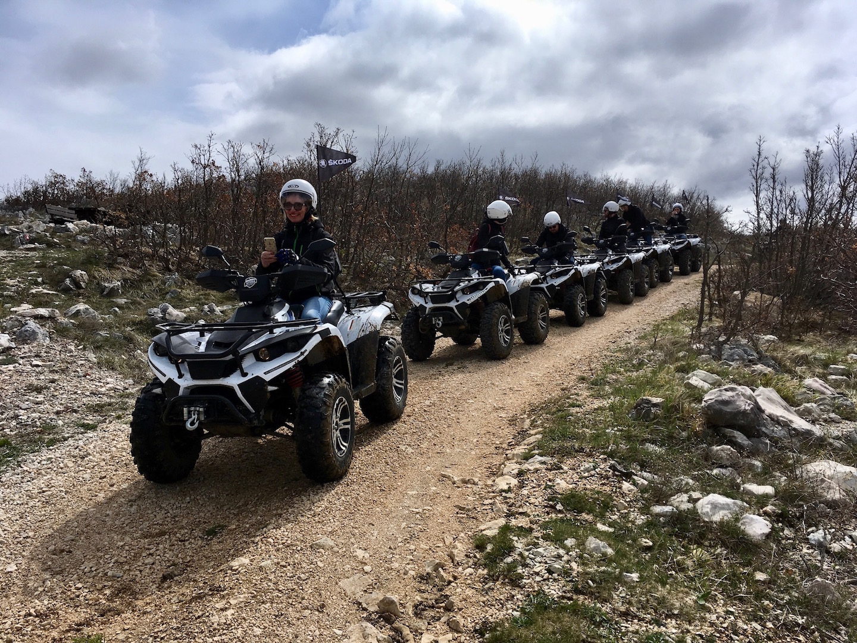 Mit dem Squad in die Berge Kroatiens. Eindrücklicher Ausflug über Stock und Stein.