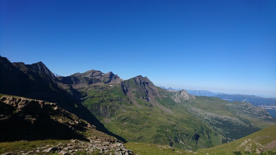 Von unserer Alp aus kann man sehr schöne Wanderungen machen. Zum Beispiel via das Hexenseeli durch das Hühnertelti zum Hagelseeli und zurück in den Oberberg (18.08.2019)