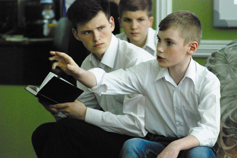 Кирилл Кононин, курсант Кадетского корпуса, в программе «Имена на поверке». 2015 г.