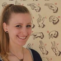 Anna Marka, Kursleiterin für den Kindergebärden Kurs im BindungsRaum Kempten