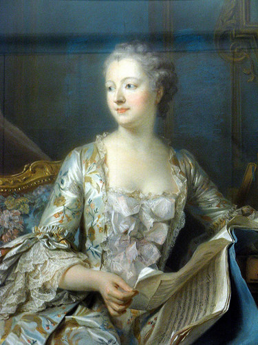 Marquise de Pompadour with bow-decorated stomacher