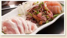 地鶏刺身三種盛り~朝〆めの新鮮な養老赤鶏、宮崎地鶏~