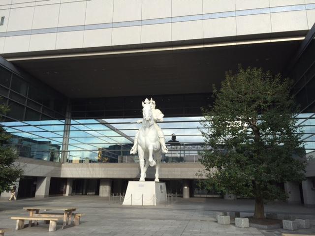名古屋国際会議場の武将の像です