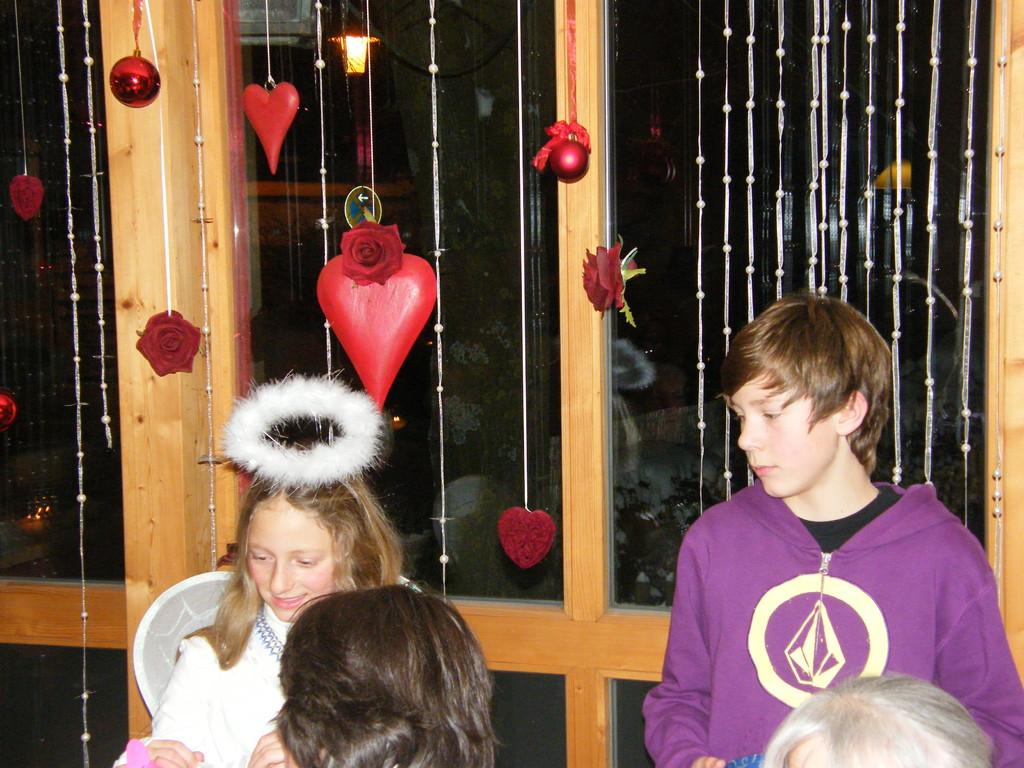 """Weihnachtsfeier zugunsten von """"Hilfe macht Mut"""""""