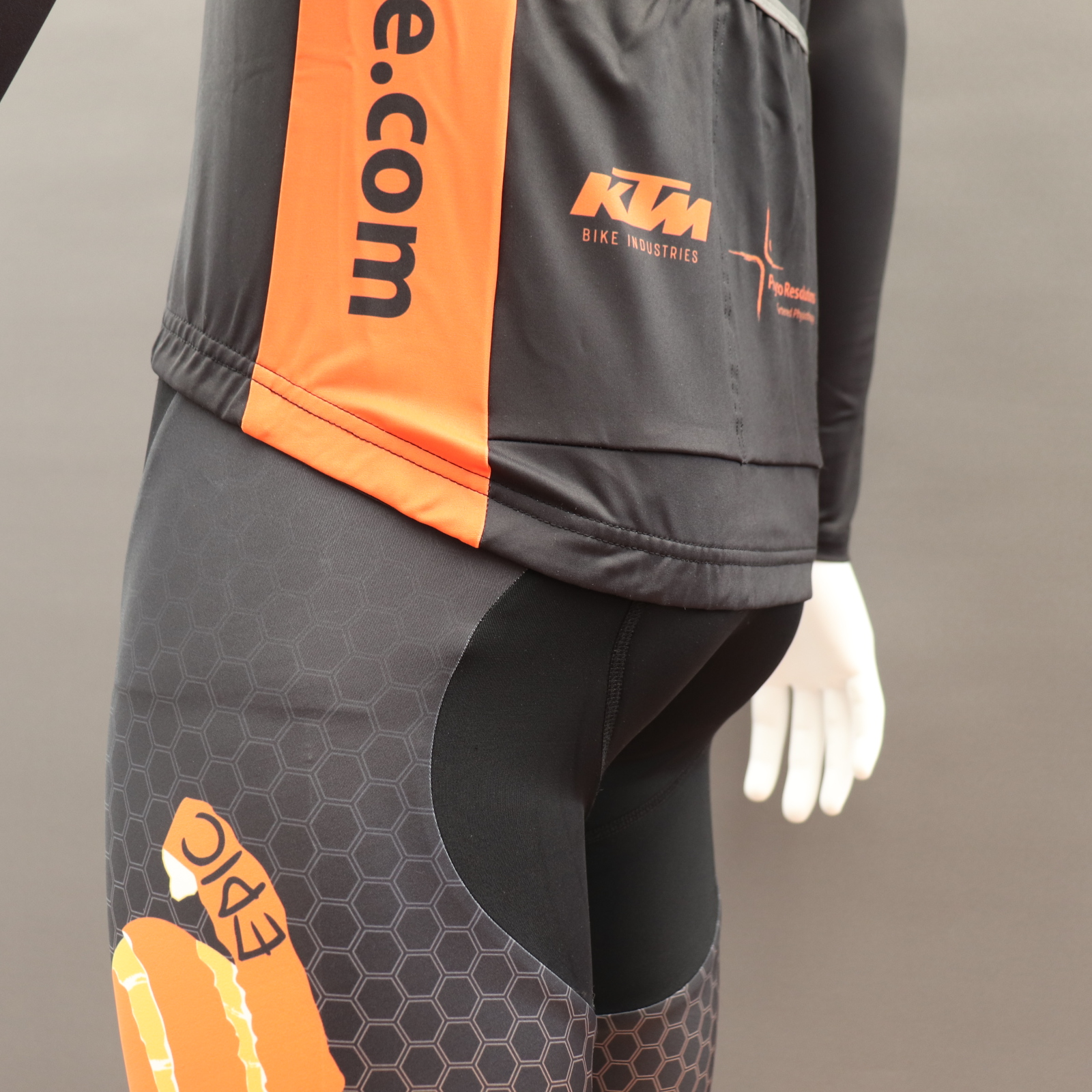 Roubaix Thermal Cycle Jackets - Drop Tail