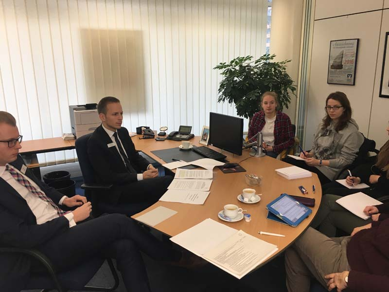 Gespräche zur Kooperation mit den Herren Knepperges und Froböse von der Volksbank Göttingen-Kassel