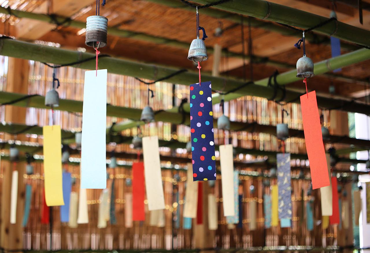 小田原風鈴200個を飾り付けた「箱根風鈴まつり」を開催。