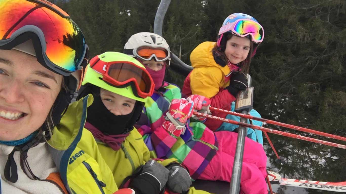 Von Skilehrern betreut.