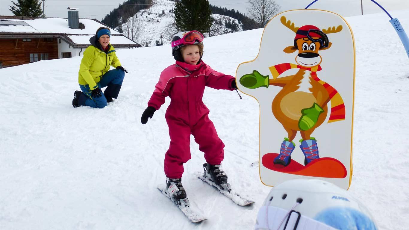 Lerne spielerisch Skifahren.