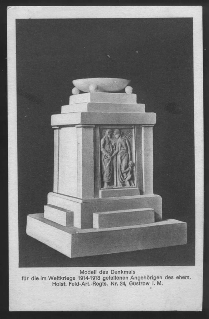 Modell des späteren Denkmals von dem Rostocker Bildhauer Paul Wallat