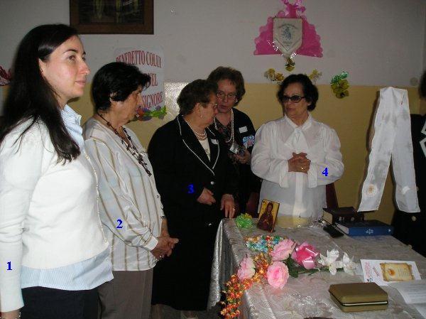 19°) (Foto del 2008) Nuove sorelle che hanno ricevuto l'Effusione.