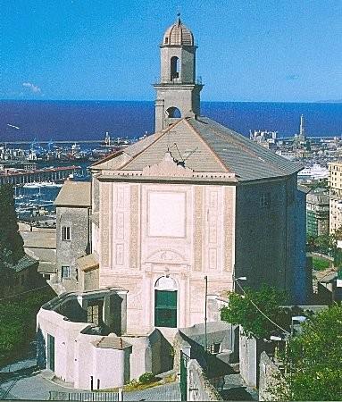 25°) (Foto del 2003) La facciata del Santuario della Madonnetta.