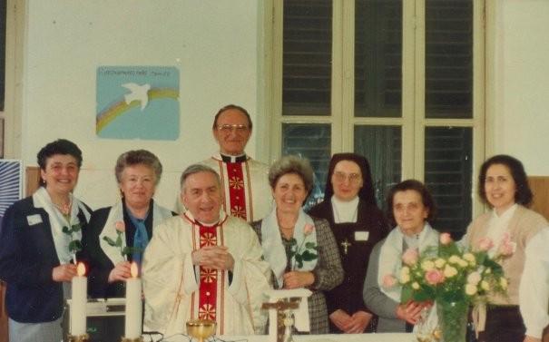 6°)   (Foto del 1998) Una parte del Gruppo per la giornata di Effusione.