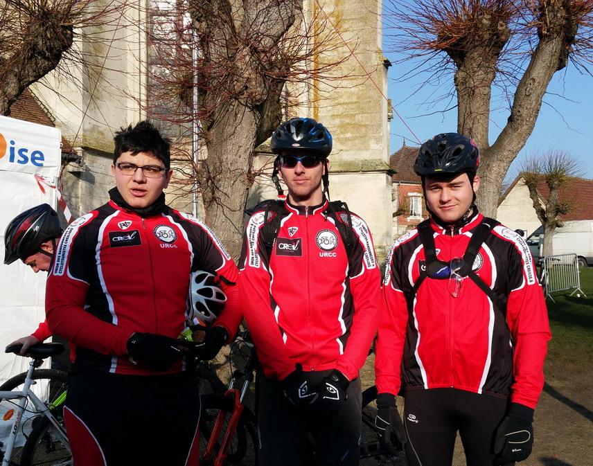 A La Neuville Lou, Guyllian et Gauthier, à peine essoufflés prennent la pose