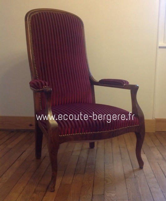 Ce fauteuil Voltaire fait son œil de velours - velours Lelièvre