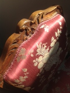 Chaise Louis XV lampas jaspé Lelièvre avec finition lézarde Houlès - rénovation par Ecoute-Bergère