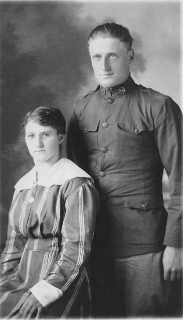 John & Mary PYKA sa soeur - John & Mary PYKA his sister - envoyé par/send by Nancy BERGMAN