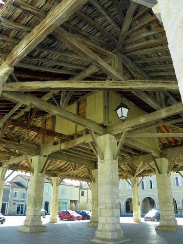 La halle de Solomiac