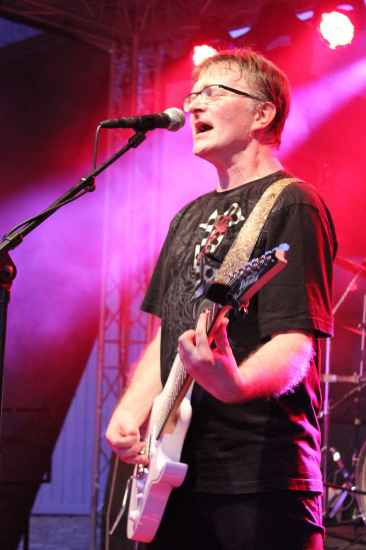 Klaus - Gitarre, Gesang