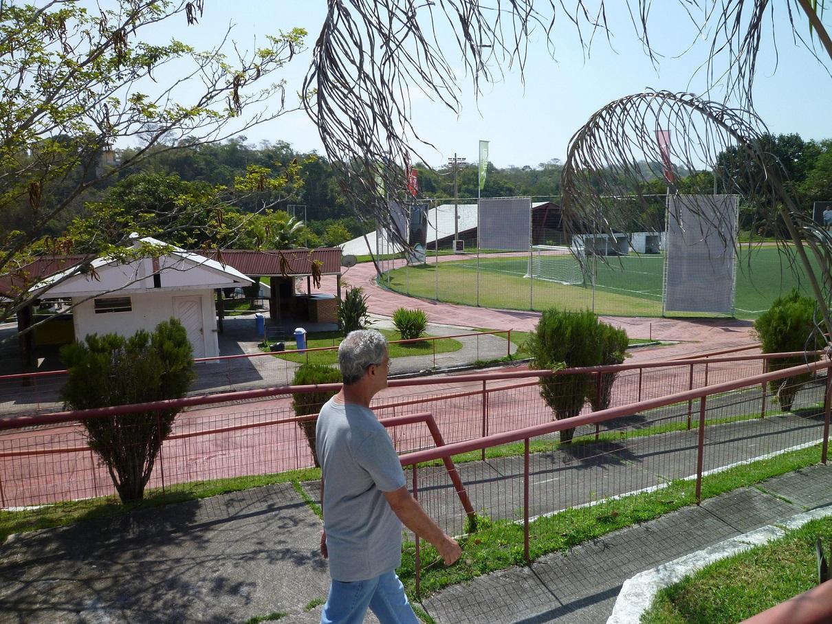 ANDEF 緑に囲まれた広大な敷地内には、プールや競技場、BBQコーナー、宿泊棟など施設が充実