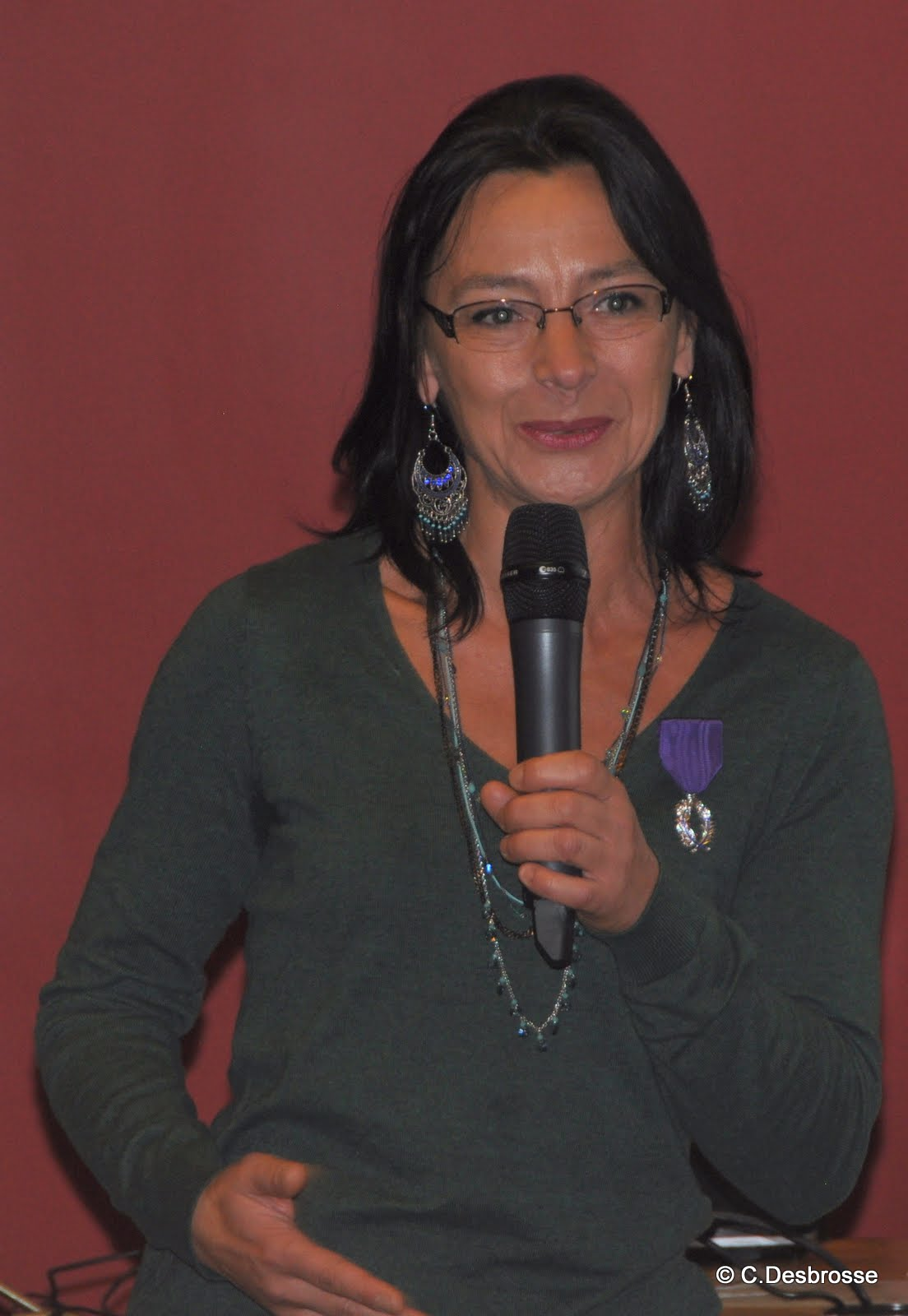 Mme Patricia LOPES