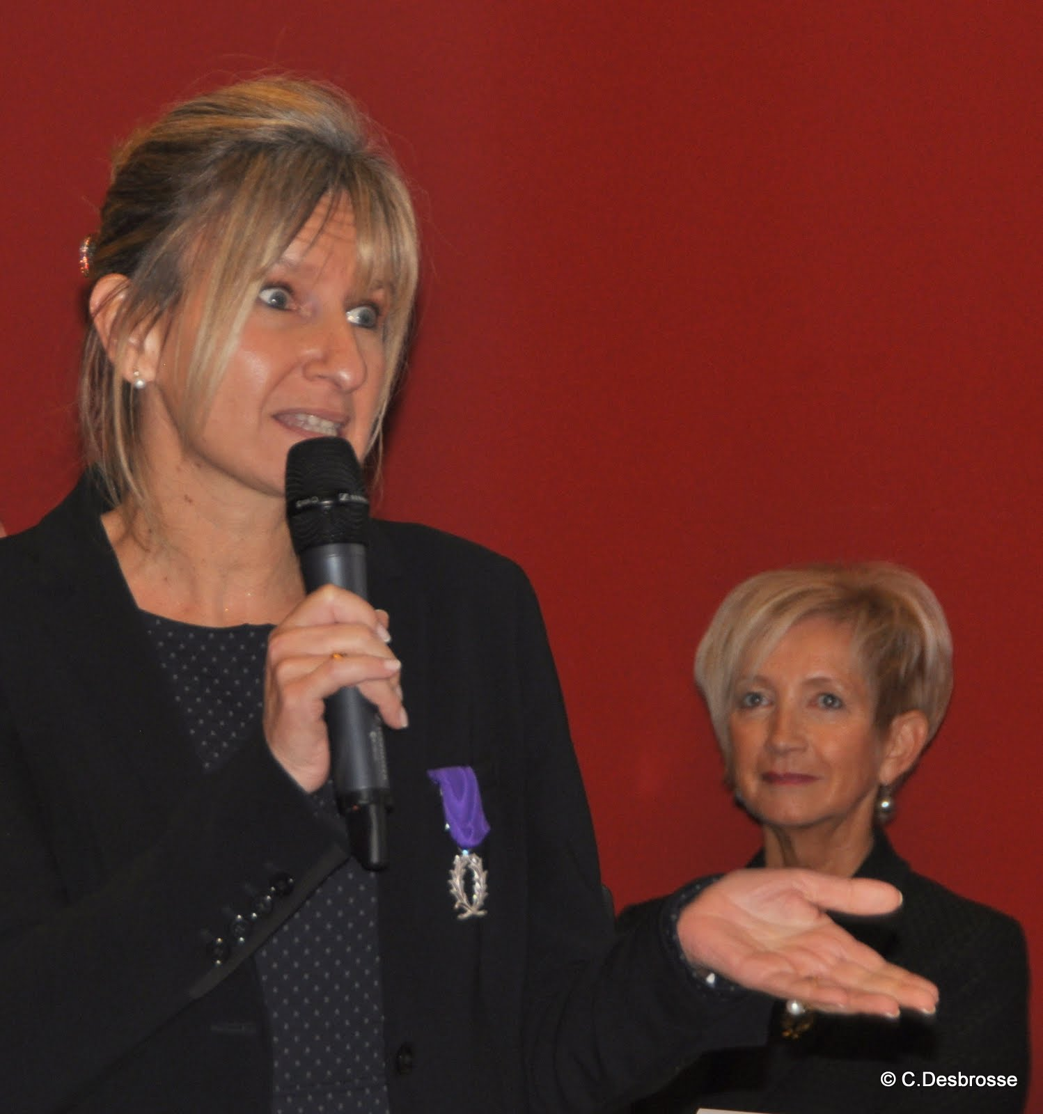 Mme Nathalie LECHAT-HOUSSACK