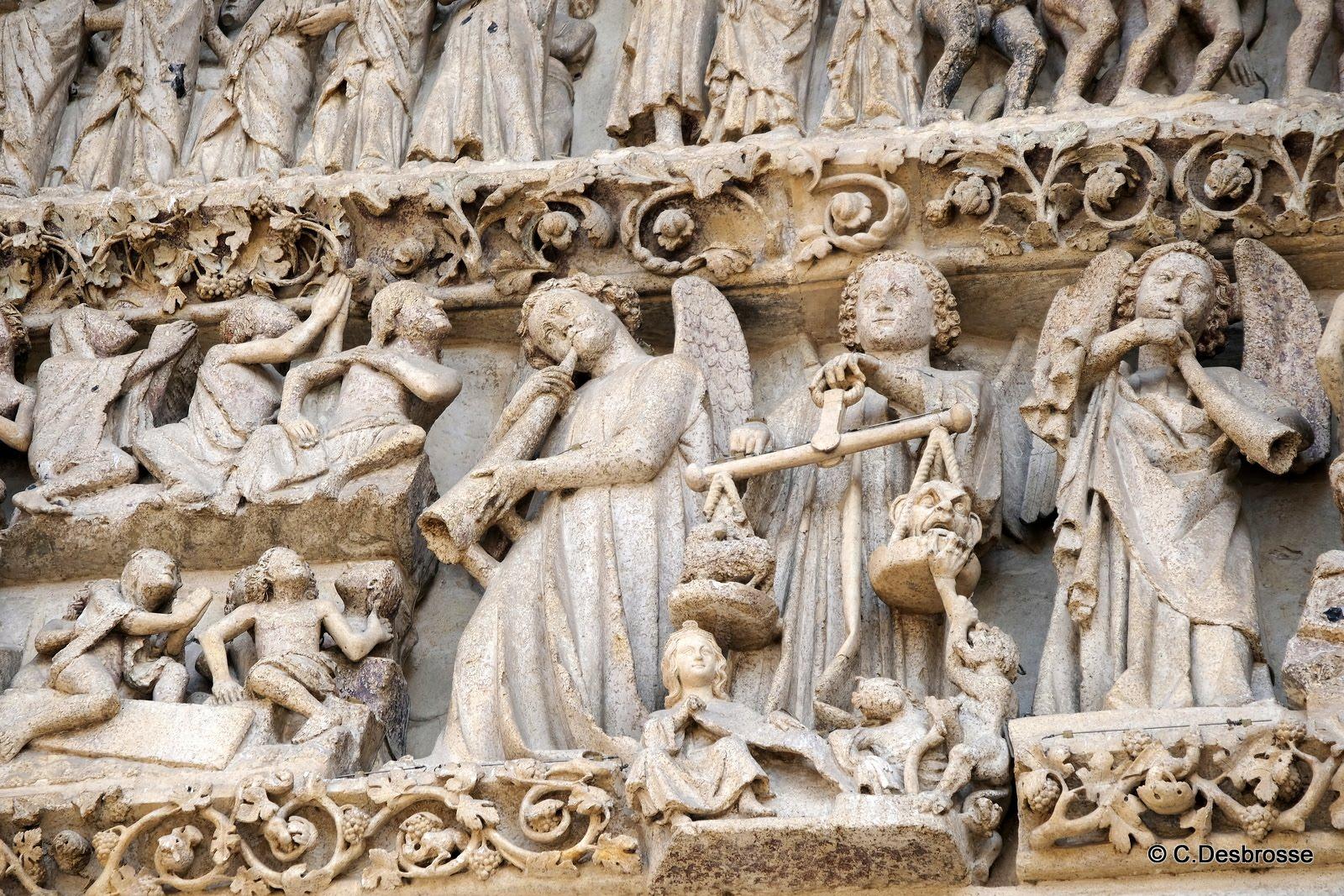 La cathédrale : la pesée des âmes