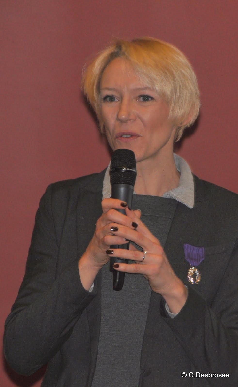 Mme Emmanuelle CHAUSSON