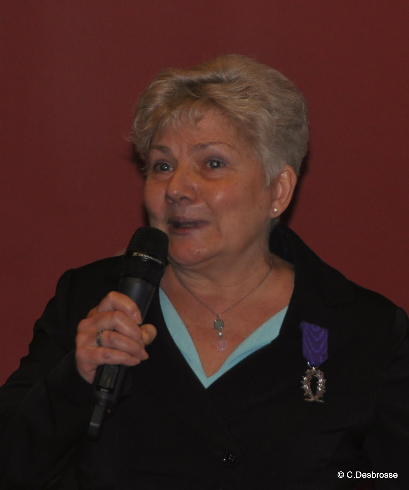 Mme Sylvie THIERRY