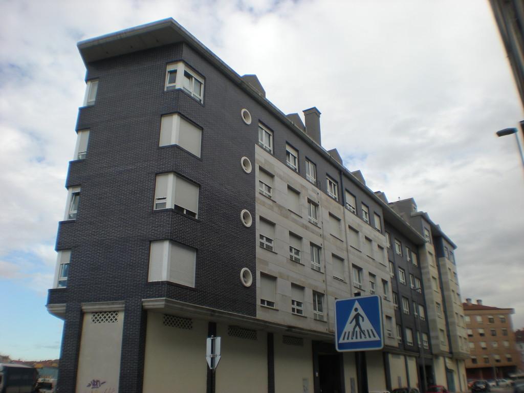 Edificio de Viviendas en Lugones
