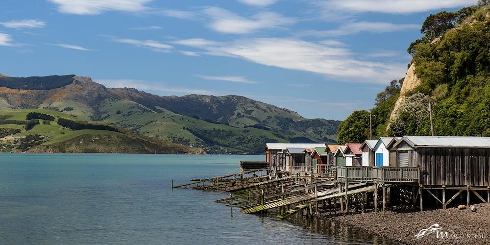 South Island: Fischerhütten auf dem Weg nach Akaroa