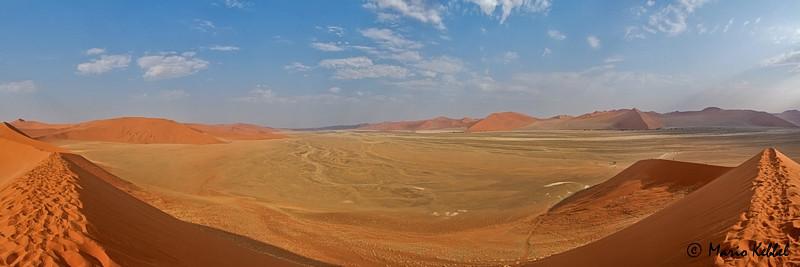 180° Blick von der Düne 45 im Sossusvlei Gebiet