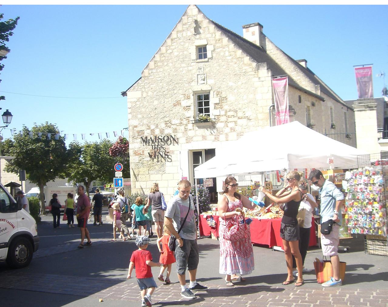 Jour de marché la maison des vins Jean Carmet Bourgueil