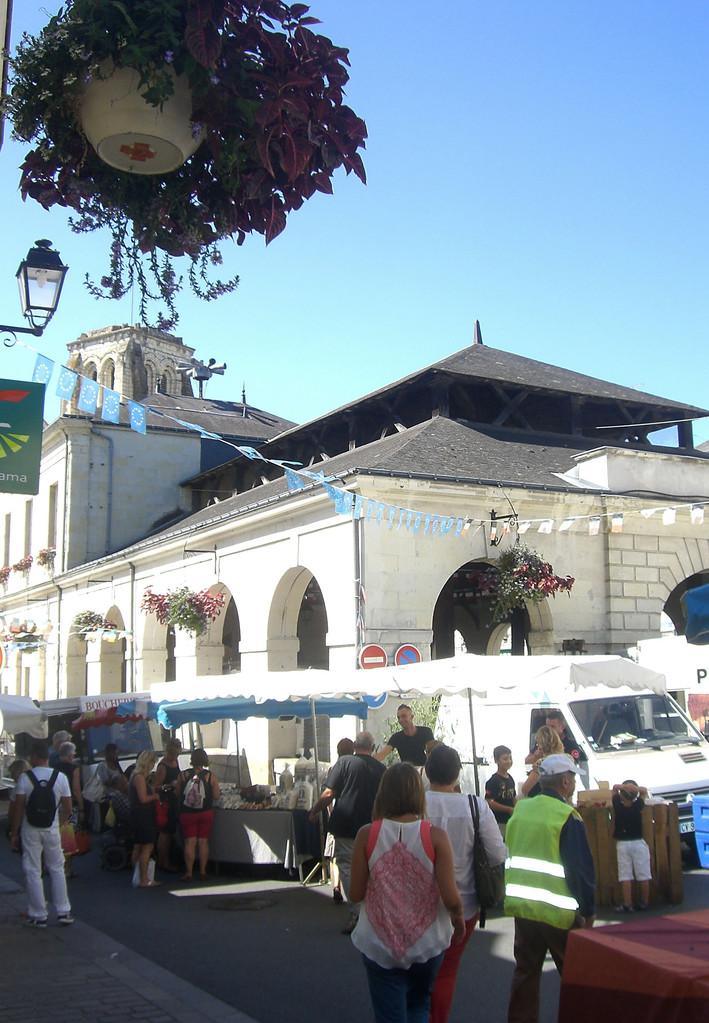Jour de marché les halles Bourgueil