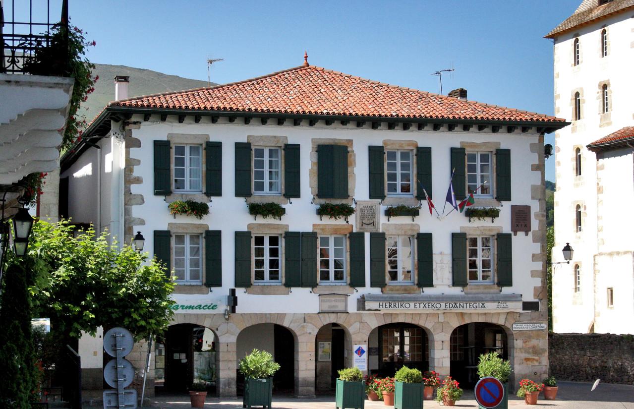 G te sare location vacances au pays basque g te du - Chambre d hote sare pays basque ...