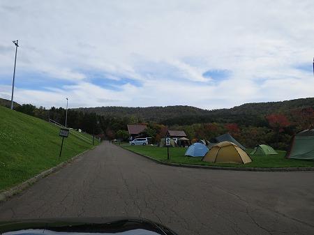 フリーサイトのみのキャンプ場だが、オート的にも使える箇所多数 2019.10.13