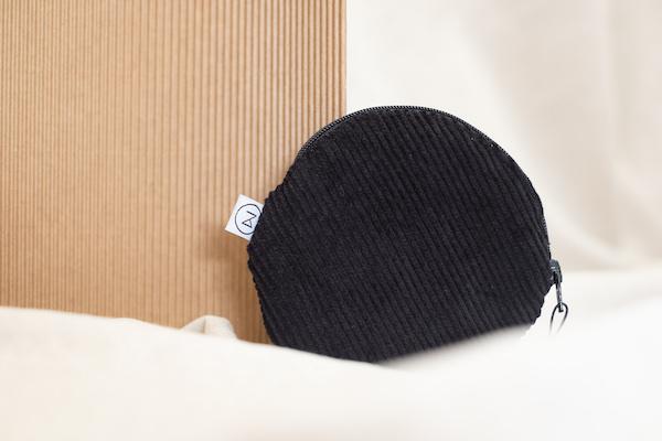 schwarzes Täschchen - Zacamo - Beutel - Kosmetiktasche - Cord - Cordtasche
