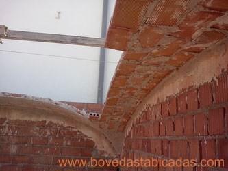 Ejecución de bóveda de arista extremeña www.bovedastabicadas.com