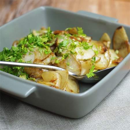 Gebratene Topinambur mit Malabar Curry und Kerbel