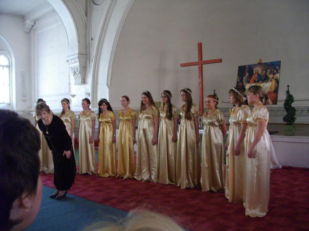 """Хор """"Cantarella""""на открытии фестиваля в Шведской церкви"""