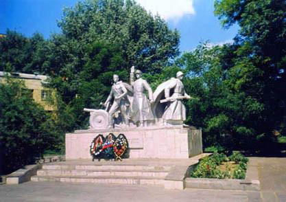 Памятник батарее С.Оганова и С. Вавилова