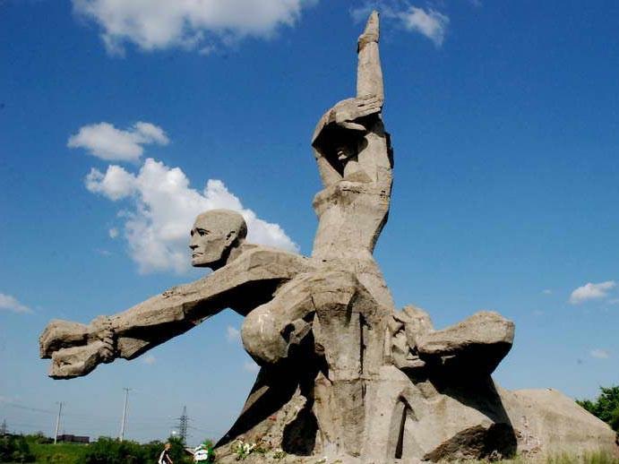 Мемориальный комплекс «Памяти жертв фашизма в Змиевской балке»