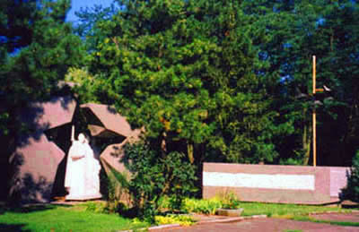 Памятное место студентам и сотрудникам ДГТУ (РИСХМа), погибшим в годы ВОВ