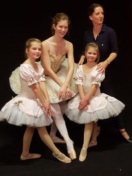 Karena Hirche in Ihrer Ballettschule in Zetel