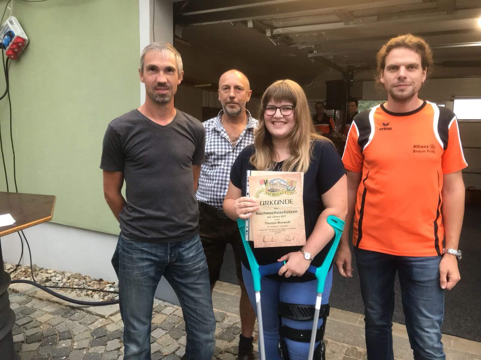 Theresa Mosandl. Beste Nachwuchsschützin des Schützengaues Eichstätt im Jahre 2017