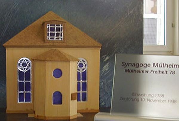 Modell der Synagoge Mülheimer Freiheit 78