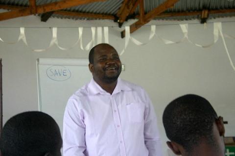 Séminaire public avec Hendrew Lusey (Kinshasa): « L'église et la prévention du VIH. Mon peuple périt par manque de connaissances. (Osée 4:6) »
