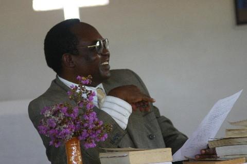 Prof. Mabika Nkata (Université de Lubumbashi) : « Les constantes de la nature et l'existence de Dieu »