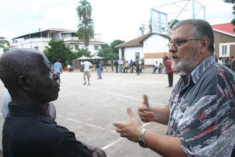Centre Bakanja: Père Eric Meert explique le travail avec les enfants de la rue