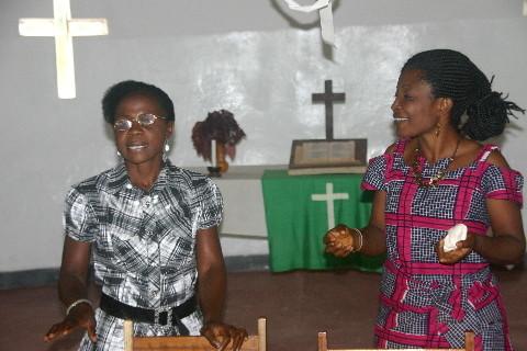 Séminaire sur la prévention du VIH: Mme Elysée raconte de la Mozambique